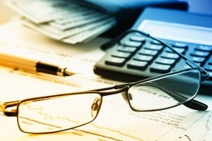 glasses-calculator-desk-pen-research